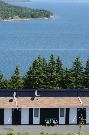 The Iona Heights Inn : Our Double Room from the Highland Village