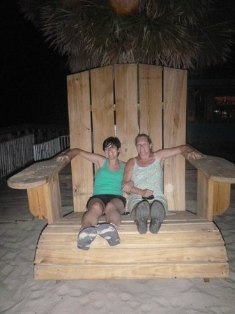Sea Vista: Big chair in courtyard