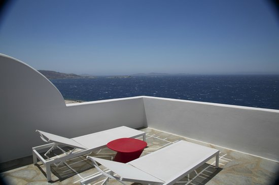 Kouros Hotel & Suites: endless view to Aigean see