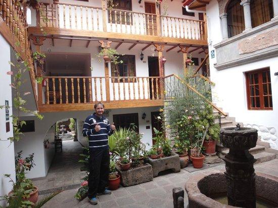 Hotel Rumi Punku: Centro da parte Interna