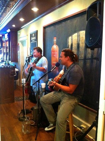 The Woodford Inn: LIVE music on Wednesday & Friday nights!