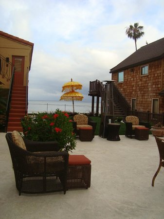 Pantai Inn: The view from the breakfast/dining area