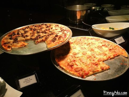 Waterfront Manila Pavilion Hotel & Casino: Pizza