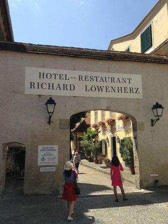 Hotel Richard Löwenherz: Entrance