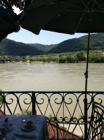 Hotel Richard Löwenherz: The view from our table