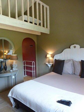 Une Sieste en Luberon : Amitie bedroom