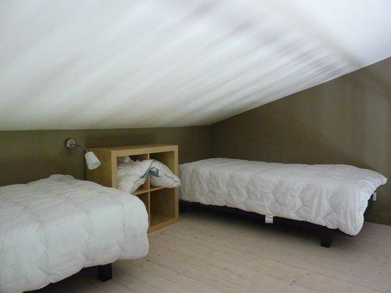 Une Sieste en Luberon : Mezzanine - a perfect kids bedroom
