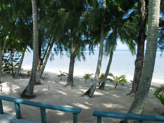 Sunhaven Beach Bungalows: Beachfront 1 bedroom bungalow vista