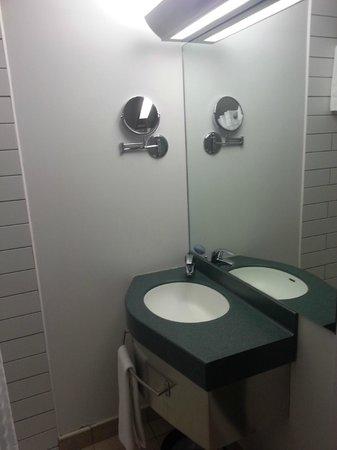 Club Quarters Hotel, Gracechurch: Bathroom Sink