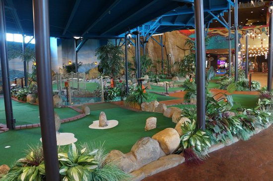 Mini Golf In The Indoor Theme Park Picture Of Kalahari