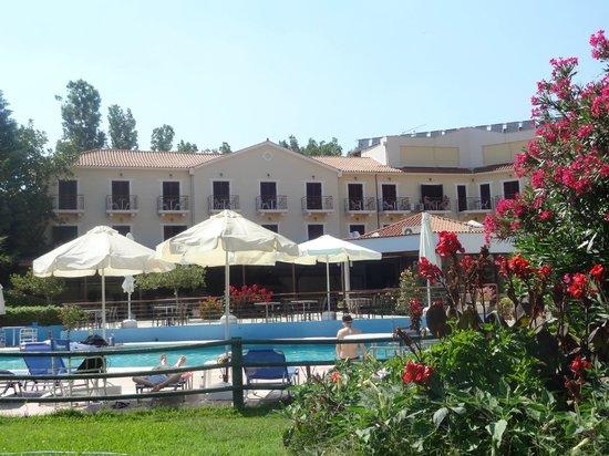 Karavados Beach Hotel: Hotel