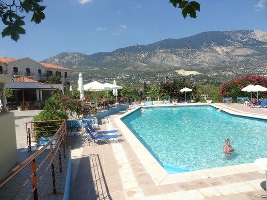 Karavados Beach Hotel: Swmming pool