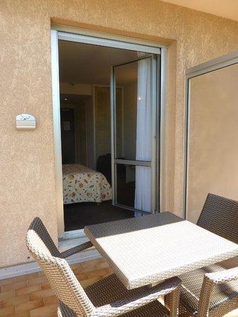 Le Mozart Hotel : Small balcony