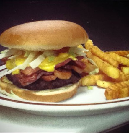 Papa's Cafe & BBQ: bacon cheese burger