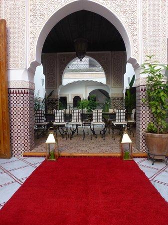 Le Pavillon Oriental: La salle à manger entre les 2 patios