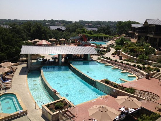 Lakeway Resort and Spa : Tiered pool, great temp