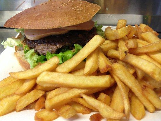 Frituurbear: burger maroilles FRITES