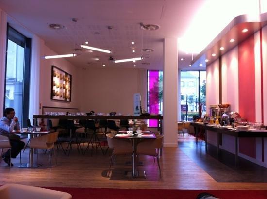 Mercure Cholet Centre : le bar