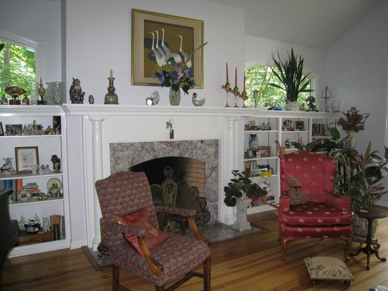 Heron Cove Guest House: Upstairs Living Room