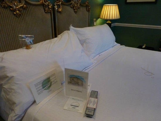 Hotel d'Angleterre: Turn-down service