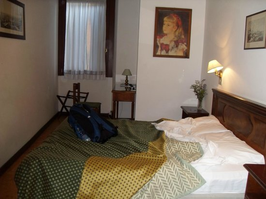 Hotel Aurora : Large room