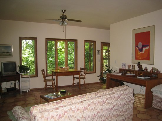 Heron Cove Guest House: Coveside Suite