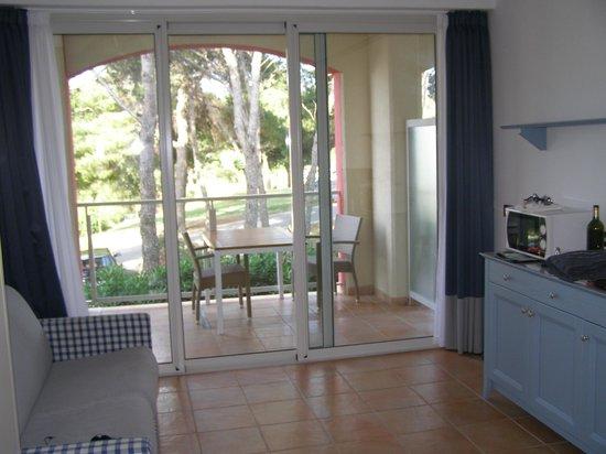 Aparthotel del Mar: autre vue du sjour et balcon