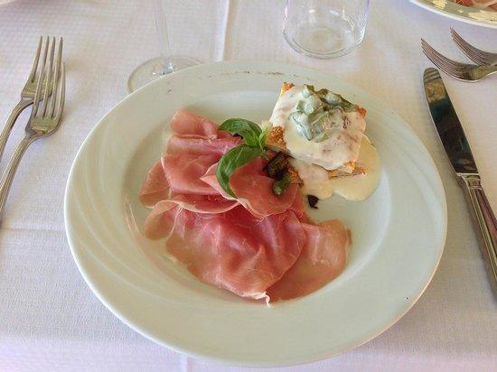 Ristorante Enoteca Bacco d'Oro : Prosciutto with asparagus