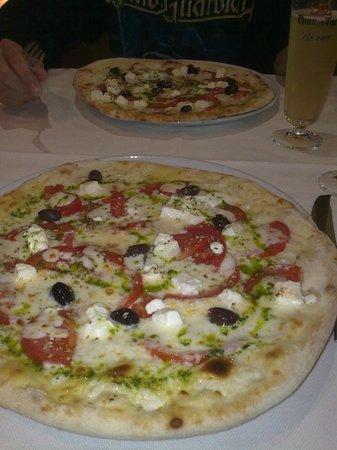 Povo, Italy: la pizza speciale dell'Oro Stube
