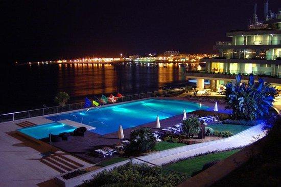 Hotel Cascais Miragem: Night Views