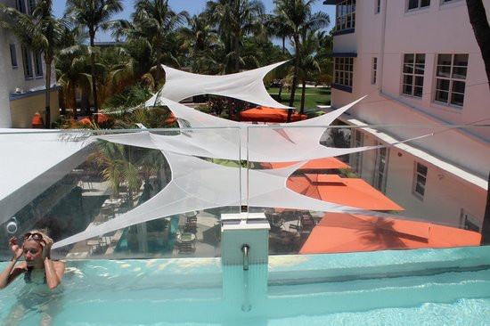 Hotel Breakwater South Beach: pool area outside room 212