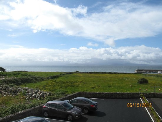 Freeport House Bed & Breakfast: Galway bay from the room