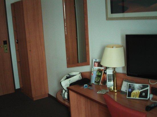 Kyriad Evreux - La Madeleine : Bedroom