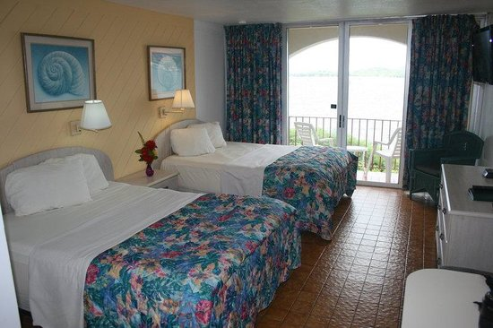 Hotel on the Cay: 2Queen_Superior Partial Oceanview