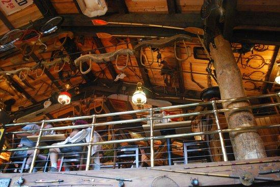 Mangy Moose Restaurant and Saloon : zona soppalco