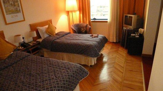 Tirana International Hotel & Conference Centre: Saubere, grosse Zimmer