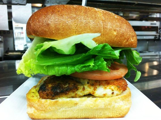 Harold's Bistro & Bar : Halibut Burger