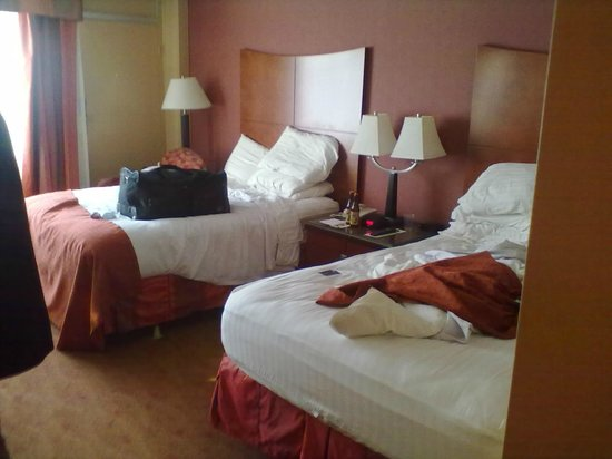 Holiday Inn Select Memphis - Downtown (Beale Street): sleep 4 with no prob