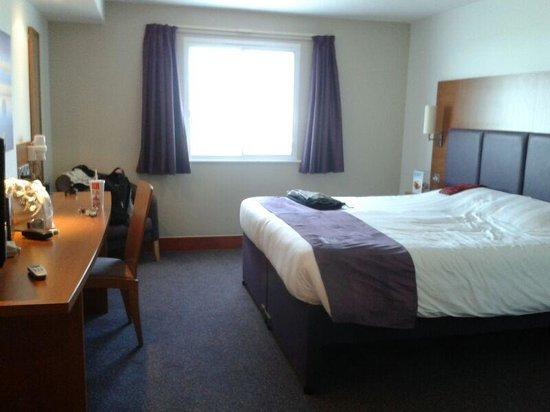 Premier Inn Southampton Airport Hotel: Our room