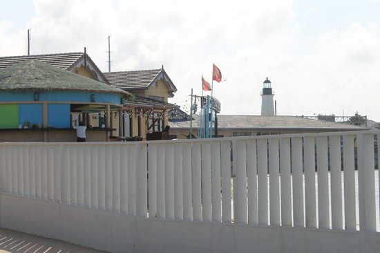 Queen Isabel Inn: Lighthouse View