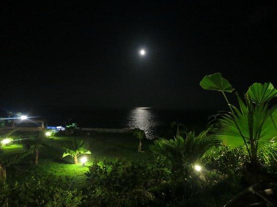 Lan Haixing Chen: 從庭院的躺椅上看海