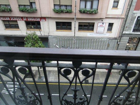 Hotel Fruela: Balcón