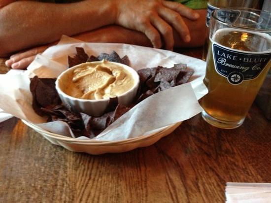 Lake Bluff Brewing Company : hummus, chips & Dog Days Hefeweizen!