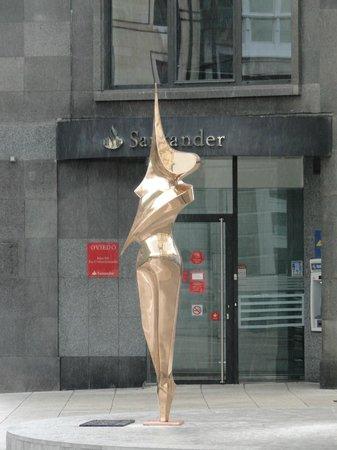 Esculturas de Oviedo: Finura