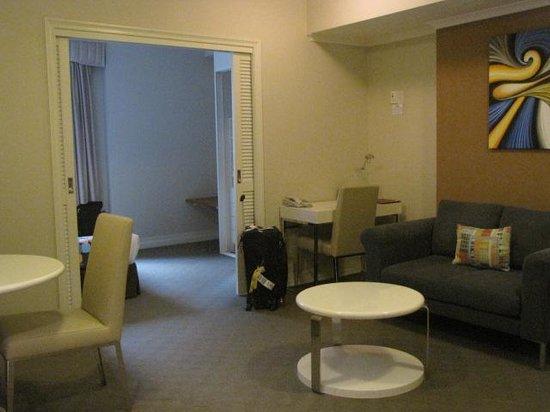 Seasons Darling Harbour: Room