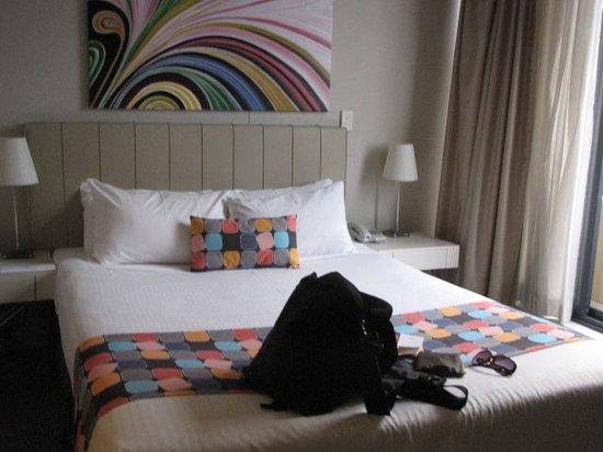 Seasons Darling Harbour: Bedroom