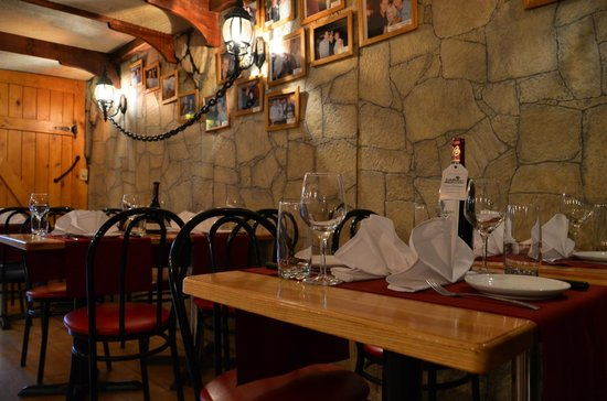 La Caverne: tables