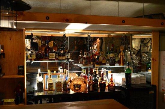 La Caverne: Bar