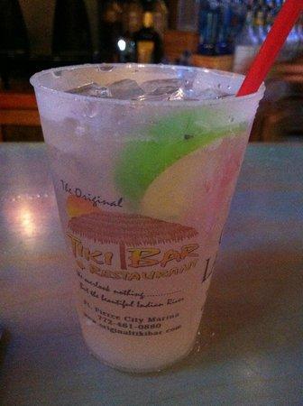 Tiki Bar & Restaurant: A very good Margarita on the Rocks, No Salt!