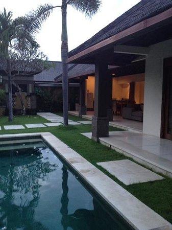 Grand Avenue Bali Photo